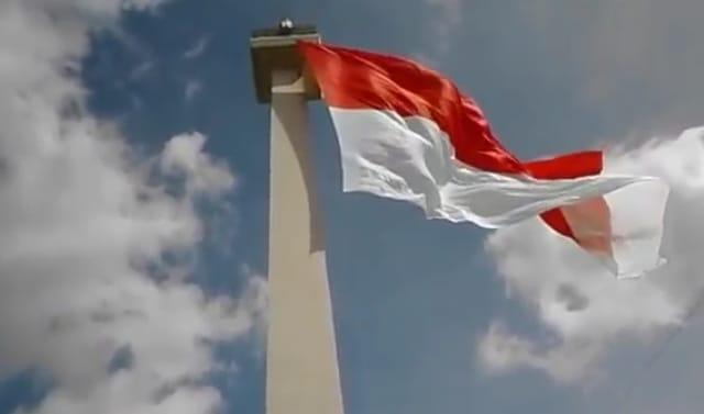 Merah Putih Tugu Monas-ea2e9fdc